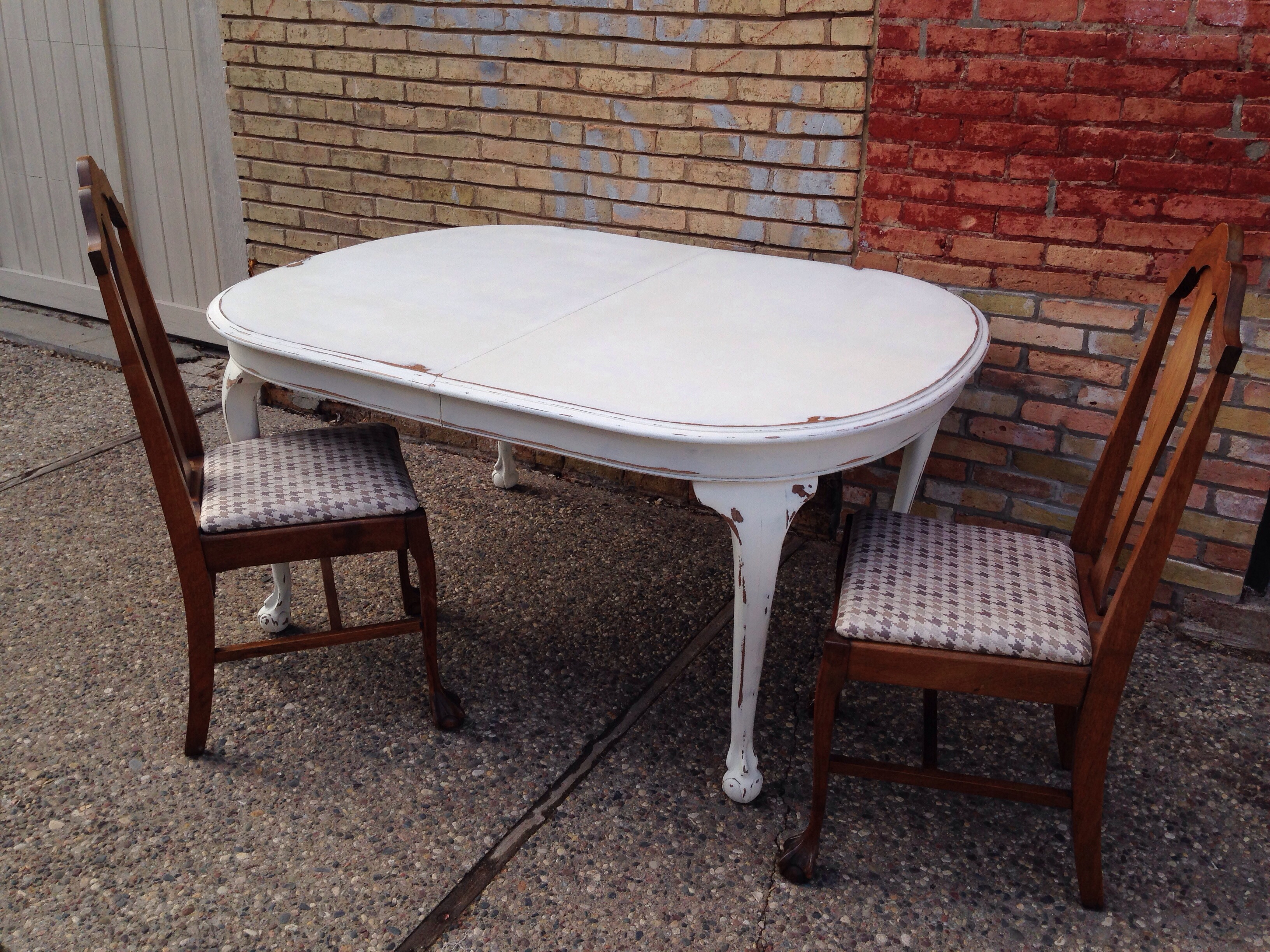 Antique Claw Foot Table painted with Miss Mustard Seed Milk Paint from Carver Junk Company | Recycle. Repurpose. Relove.